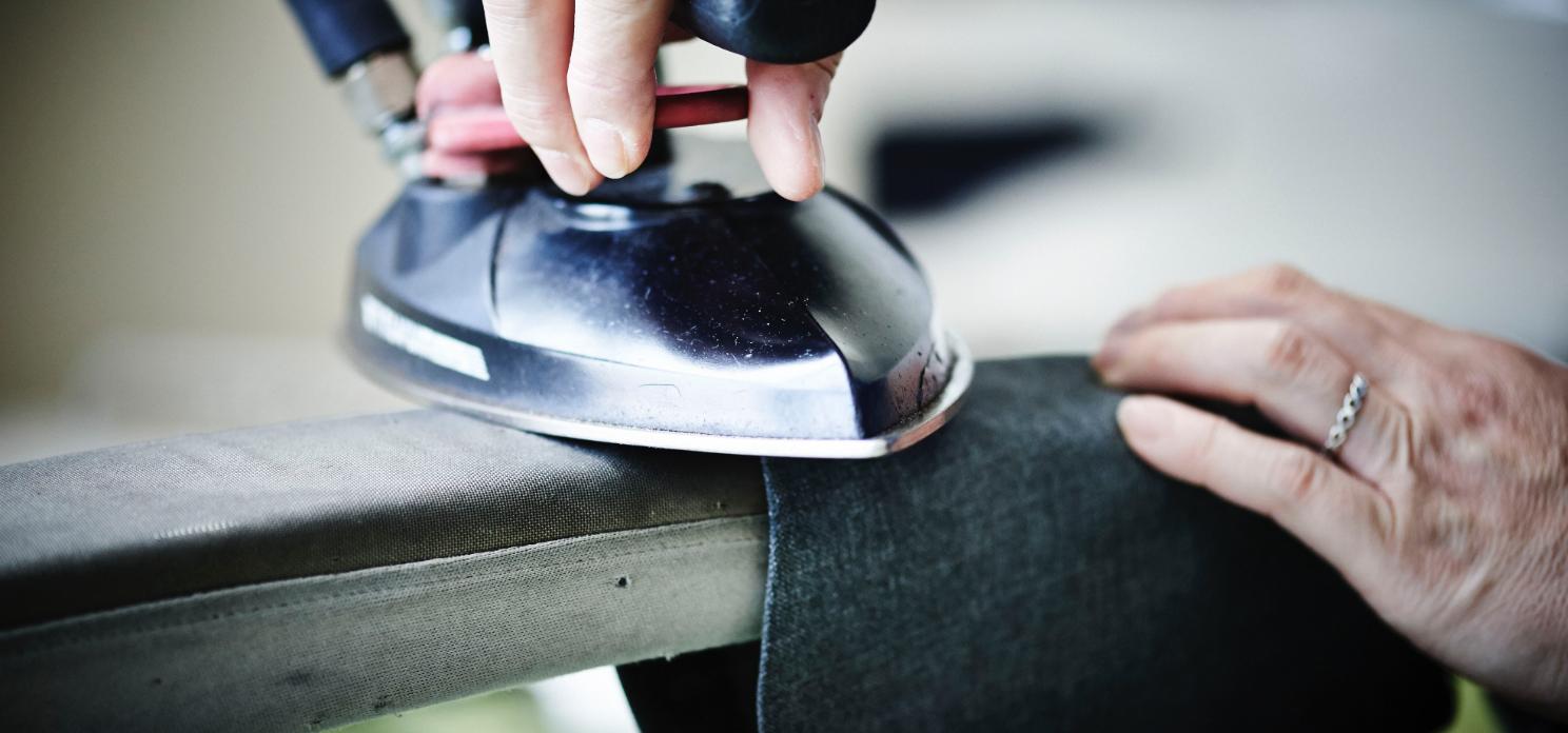 修正加工 | プレスなどの仕立てから検品まで、あらゆる作業に対応。